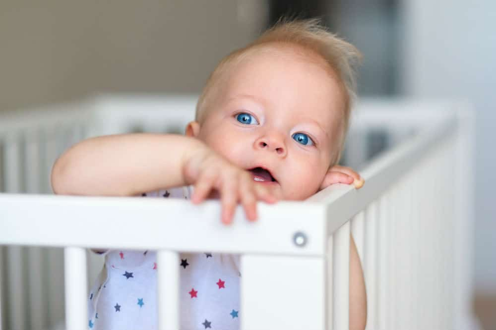 How to make a baby comfortable in crib